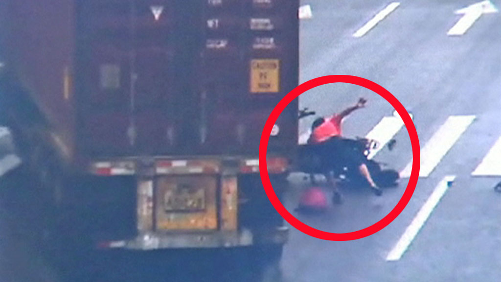 Mopedulykke kina (Foto: CCTV)
