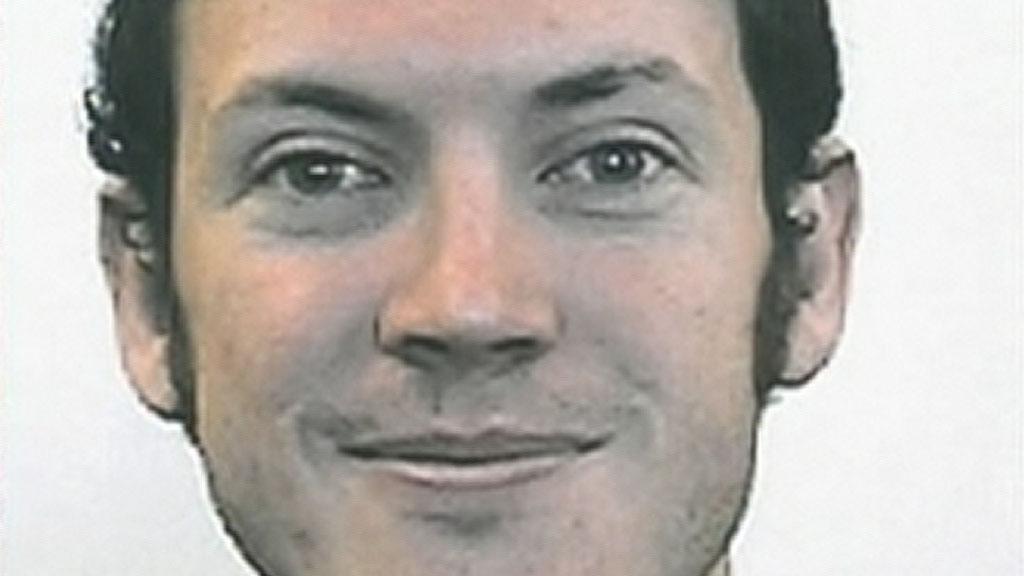 MÅ MØTE I RETTEN: Mandag må James Holmes møte i retten for første gang. Foreløpig nekter han å snakke med politiet.  (Foto: Privat/Sky News)