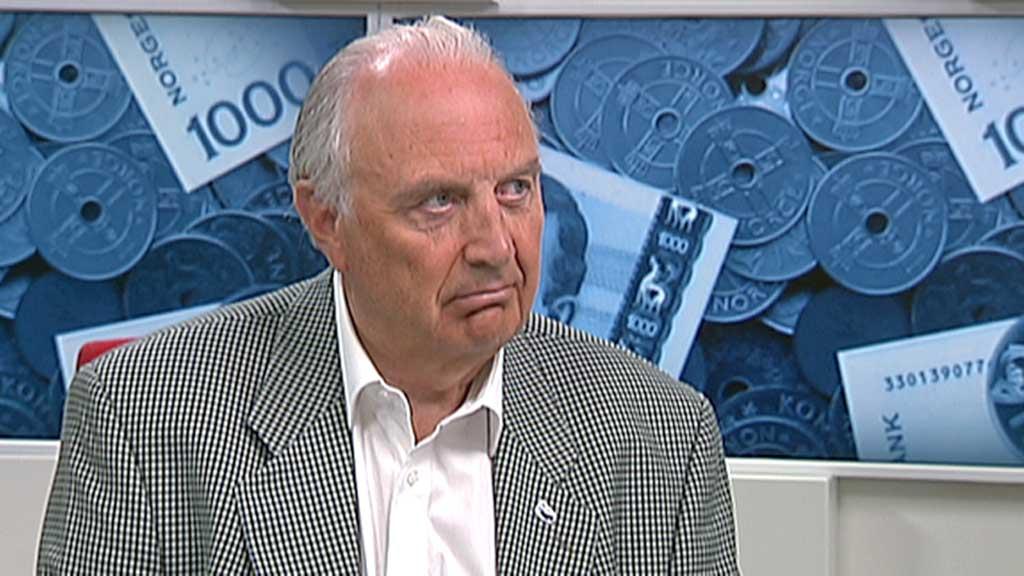 OVERDRIVER: Svein Flåtten (H) mener Terje Aasland (Ap) overdriver  hvor mye makt regjeringen har over styrene i de statseide selskapene.  (Foto: TV 2)