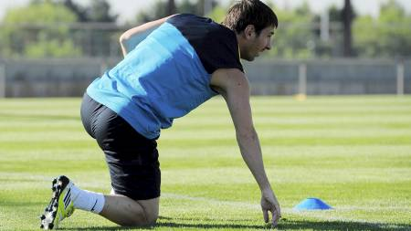 SKADET: Lionel Messi skadet seg på trening mandag. (Foto: Manu Fernandez/Ap)