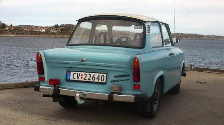 Halefinnene var på vei ut med hornmusikk og høye kneløft da Trabant 601 ble lansert på 60-tallet, men hypermoderne design var ikke prioritert. Takket være bilmangelen i hjemlandet ble den produsert i over 3 millioner eksemplarer til innpå 1990-tallet. (Foto: Privat)
