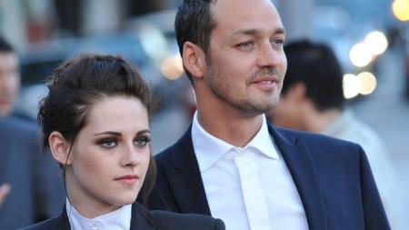 ANGRER: Kilder sier Kristen Stewart angrer på utroskapen med den gifte regissøren Ruperts Sanders. (Foto: KM/FameFlynet Pictures)