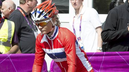 Emilie Moberg klarte ikke å innfri på kvinnenes fellesstart i landeveissykling. (Foto: MAJA SUSLIN / SCANPIX/NTB scanpix)