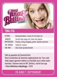 I forbindelse med Norway Cup-besøket gir også Tina og Bettina bort sine spesiallagde fotballkort.