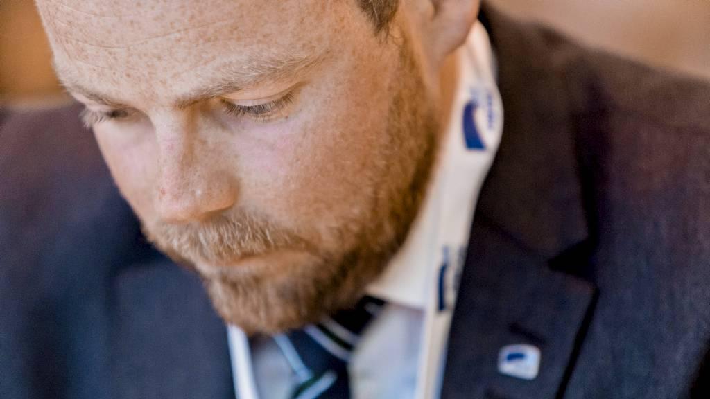 VIL HA BOPLIKT: Torbjørn Røe Isaksen (H) vil gjennomgå alle velferdsordningene for å se om det er mulig å begrense eksporten. (Foto: Sørbø, Krister/NTB scanpix)