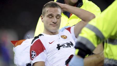 Nemanja Vidic mot Basel i desember 2011 (Foto: VALERIANO DI DOMENICO/Afp)