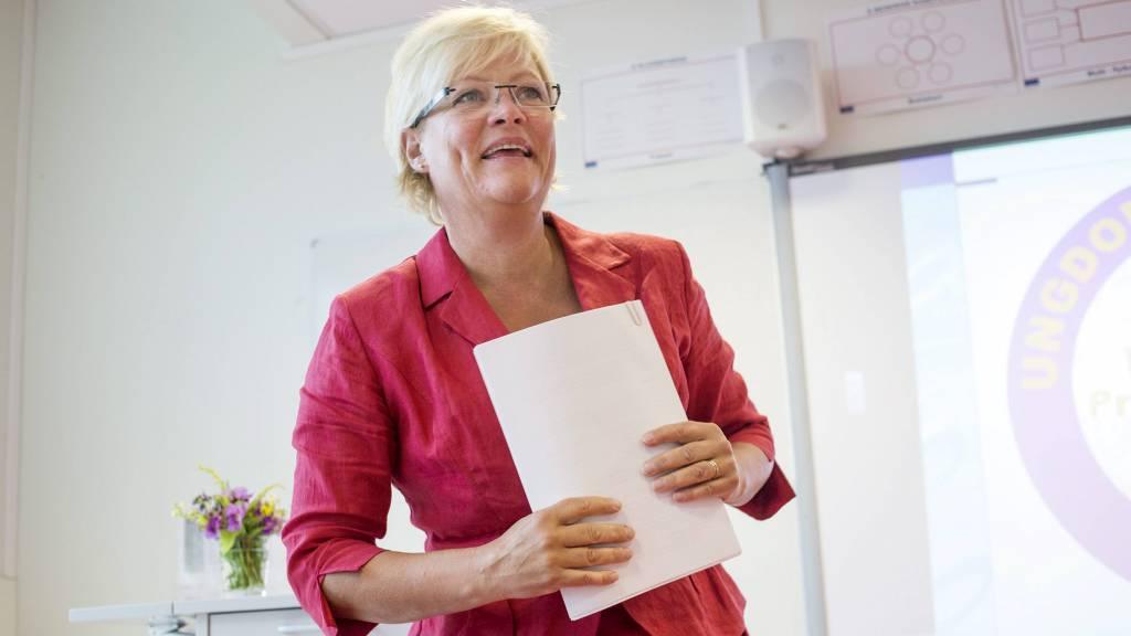 Kunnskapsminister Kristin Halvorsen (Sv) presenterer nyheter og nye prosesser for elever og lærere ved årets skolestart i Oslo tirsdag morgen. (Foto: Øijord, Thomas Winje/NTB scanpix)