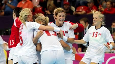 BARE SMIL: Norges lagånd er blitt satt på prøve i OL. Mot Brasil var den tilbake på topp. (Foto: Åserud, Lise/NTB scanpix)