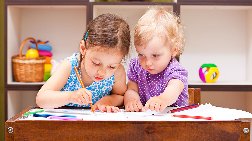 To barn i barnehage (Foto: Colourbox)