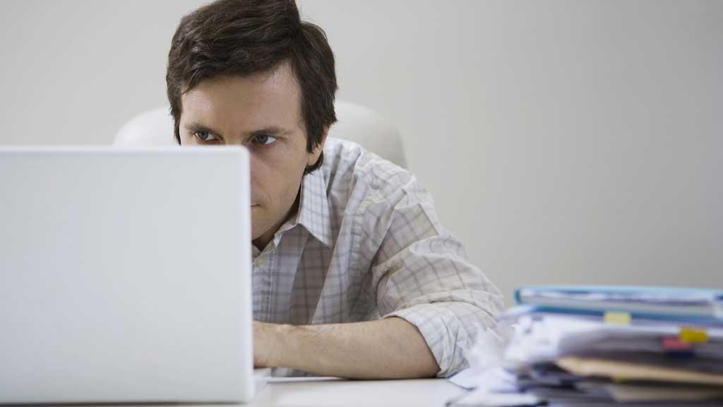 """PSYKOPAT: Kan det å ikke delta i sosiale medier et tegn på at du er psykopat? Noen mener det er """"mistenkelig"""". (Foto: Illustrasjonsfoto)"""