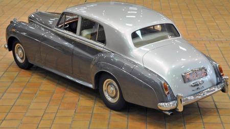 1956 Bentley S1, anslått 25.000 til 35.000 euro. Solgt for 60.000 euro, eller tilsvarende drøyt 440.000 kroner. (Foto: Artcurial)