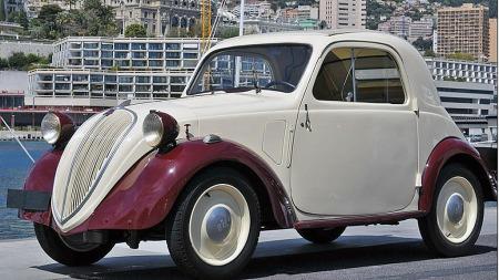 1939 Simca 5, anslått til 8.000 til 12.000 euro. Solgt for 32.500 euro, eller tilsvarende 240.000 kroner. (Foto: Artcurial)