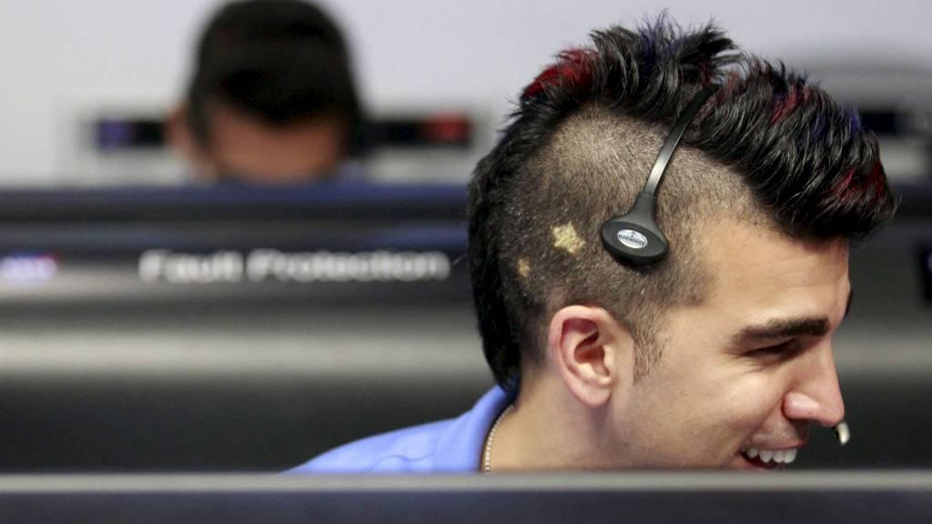SJOKK-SVEIS: Denne hårpryden har gitt Bobak Ferdowsi mye oppmerksomhet. (Foto: POOL/Reuters)