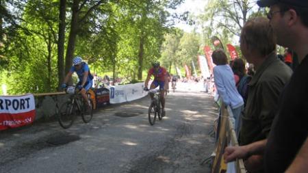 SYKKELENTUSIAST: Da Anders Edvardsens lår ikke hadde fungert optimalt på to år, konkluderte han med feiltrening på sykkelsetet.  (Foto: Privat)