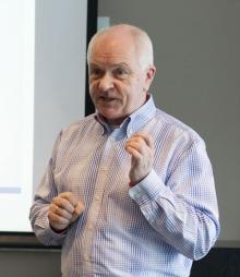 Torgeir Bjørnland, juridisk rådgiver i Infotjenester, er ekspert   på ferieloven. (Foto: Kristian Helgesen)