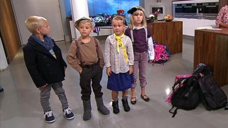 FERSKE ELEVER: David (6), Samuel (6), Ida (6) og Alva (6) er   klar for første skoledag - kledd opp av stylisten. (Foto: God morgen   Norge)