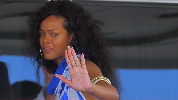 BRØT SAMMEN: Rihanna brast sammen i gråt under et intervju med Oprah.  (Foto: BESTIMAGE)