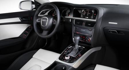 Interiøet: Få om noen gjør dette bedre enn Audi. Men det koster å være kar. For at det skal bli så spennende som dette, måtte første eier punge ut en hel del i ekstrautstyr.