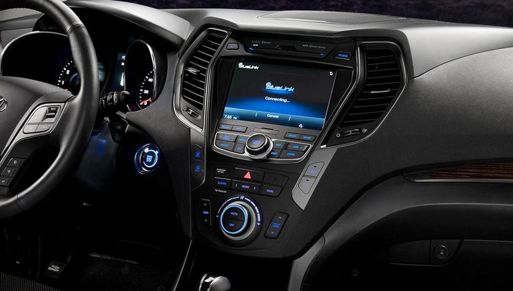 Dette interiøret viser hvor langt steg videre den nye Hyundai Santa Fe har tatt sammenlignet med utgående modell. Til høsten kommer den til norske forhandlere - og det forventes konkurransedyktige priser.