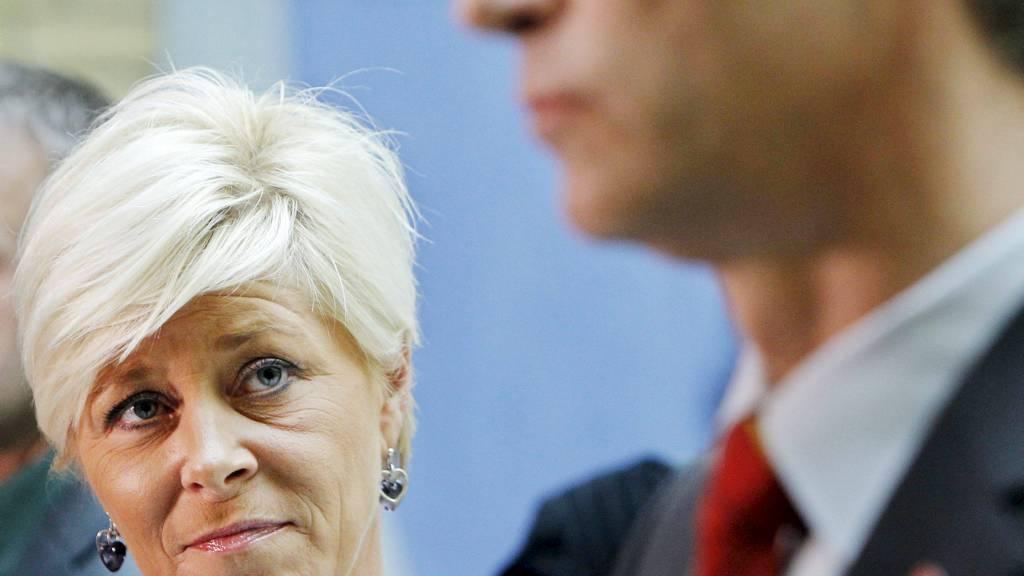 I MEDVIND: Frp-leder Siv Jensen og Ap-leder Jens Stoltenberg har størst grunn til å smile over meningsmålingen som presentereres i Dagens Næringsliv lørdag. (Foto: Larsen, Håkon Mosvold/NTB scanpix)