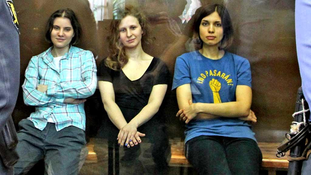 Pussy Riot i retten (Foto: AP)