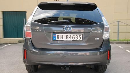 Prius + Seven er en temmelig anonym bil bakfra, dette kunne egentlig vært hva som helst.