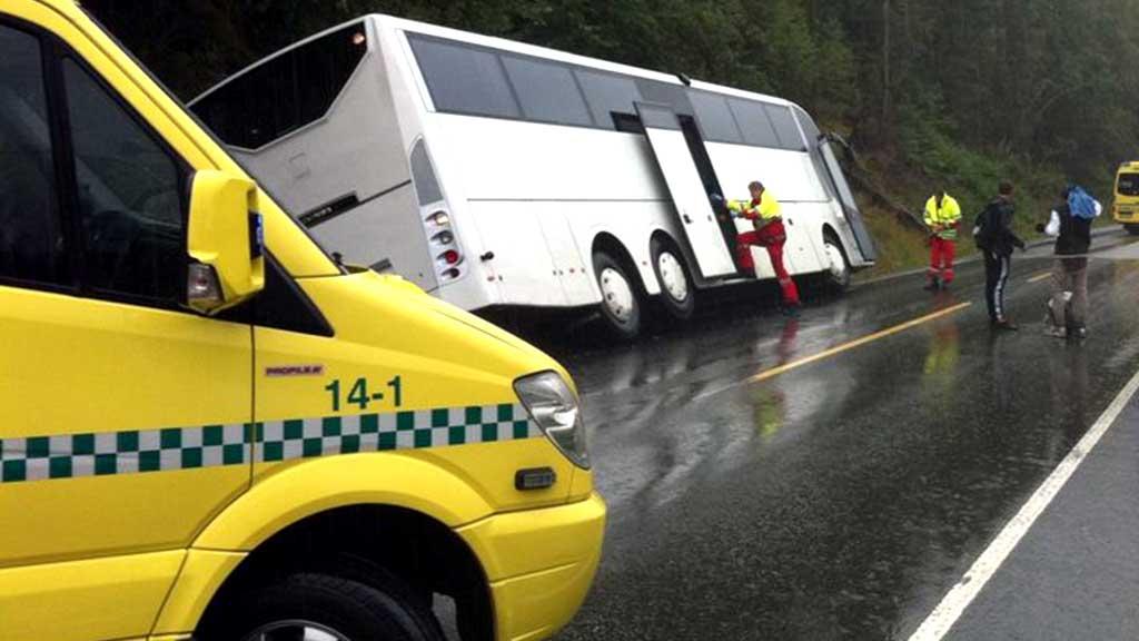 Bussulykke (Foto: John Arne Moen/TrønderAvisa)