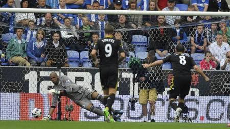 Frank Lampard scorer mot Wigan (Foto: Nigel French/Pa Photos)