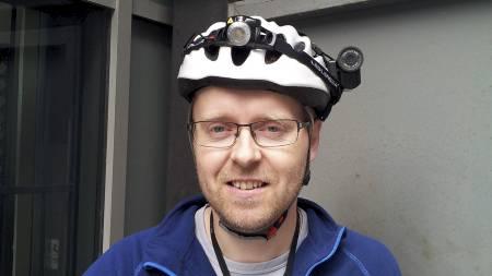 VEKKER DEBATT: Reportasjen om hjelmkamerasyklist Morten H. Lode har vakt debattstorm på tv2.no. Datatilsynet mener på generelt grunnlag at uvettig nettpublisering kan være i strid med loven. (Foto: Ravi Chandra Nagabhirava/)