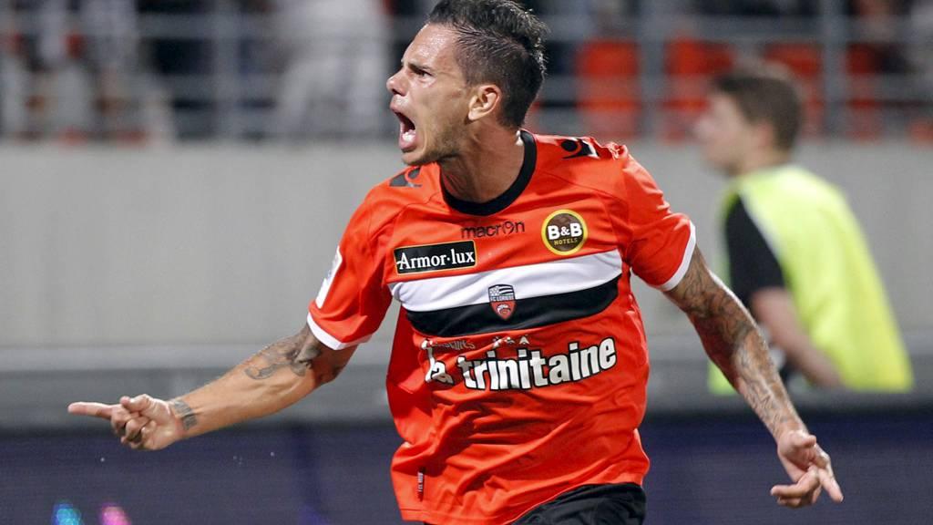 Jérémie Aliadière avgjorde for Lorient mot regjerende seriemester Montpellier. (Foto: STEPHANE MAHE/Reuters)