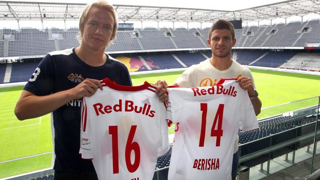 Red Bull Salzburg-duoen Håvard Nielsen og Valon Berisha er blant spillerne som i dag skal forsvares Norges farger i Belgia (Foto: Red Bull Salzburg)