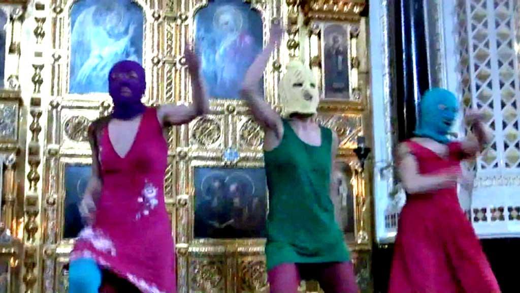Pussy Riot i katedralen (Foto: APTN)