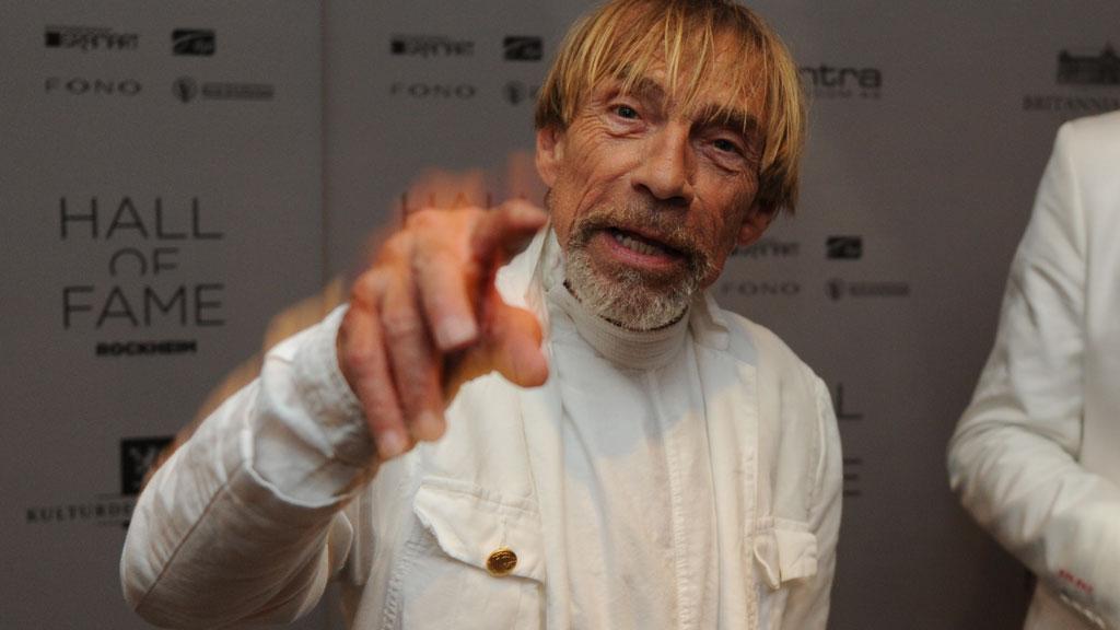FIKK PRIS: Jahn Teigen fikk belønning av Rockheim Hall of Fame.
