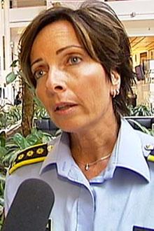 TIPSFLOM: Politiinspektør Hanne Kristin Rohde forteller at de har mottatt 2500 tips i Sigrid-saken. (Foto: TV 2)