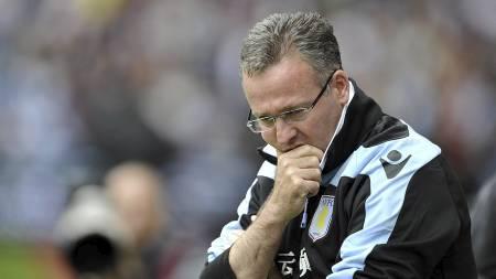 LAMBERT: Har mye å tenke på etter en meget dårlig start i Premier League. (Foto: Clint Hughes/Pa Photos)