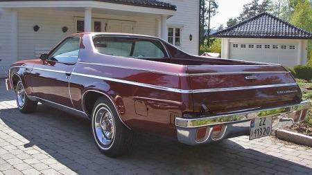 Svært få pickuper har lekrere linjer enn Chevrolet El Camino-generasjonen fra 70-tallet. Og planet er digert - hvis du har hjerte til å la noe skli frem og tilbake og lage riper i lakken der... (Foto: Finn.no)