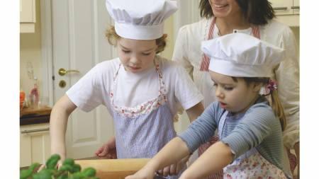 SUNNE BARN: - Det er foreldrene som legger grunnlaget for barnets matvaner, skriver ernæringsfysiolog Camilla Andersen. (Foto: Kagge forlag/)
