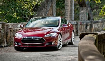 Tesla S: Vi har kjørt den - men vi får ikke fortelle om det ennå.