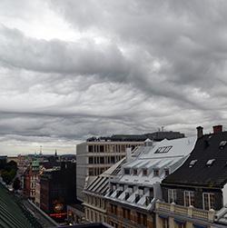 Slik ser himmelen over Oslo ut onsdag, sett fra Kar Johan. (Foto: Espen Eide)