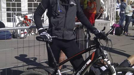 HJELPEMOTOR: Elsykkelen som Lutdal brukte i Birken ser tilsynelatende normal ut, men veier litt mer enn en vanlig offroadsykkel. (Foto: Privat/)