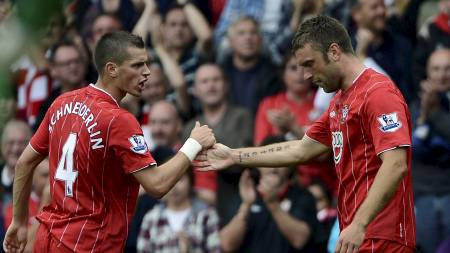 Southamptons Morgan Schneiderlin og Rickie Lambert. (Foto: DYLAN MARTINEZ/Reuters)