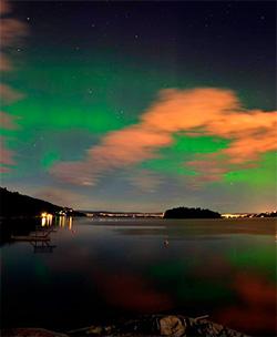 Nordlys over Oslo natt til mandag. (Foto: Kjersti M. W. Sæbø)