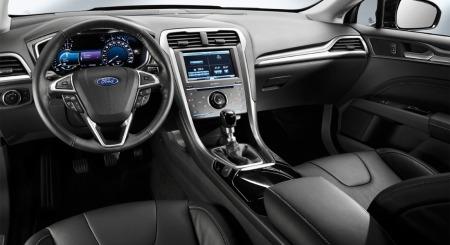 Interiøret blir mer stilrent og elegant enn dagens modell - og mer oversiktlig enn i lillebror Focus.