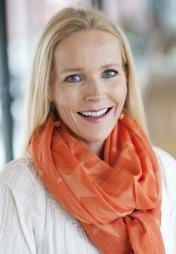 SPIS SUNT: Berit Nordstad er overlege, seksbarnsmamma og aktuell   med boken boka «Mat med mer - Hverdagsmat for glede, overskudd og helse»   (Foto: Hege Killingberg)