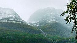 Nysnø på fjelltoppene i Birtavarre, Kåfjord i Troms, 27. august. (Foto: Trond Are Pedersen)