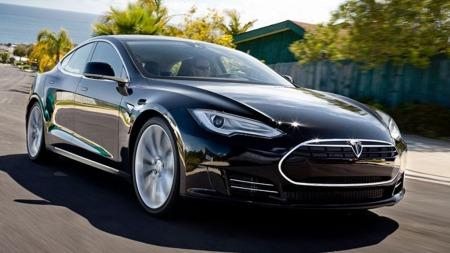 Tesla S er en real elbil-sensasjon - og spesielt attraktiv i Norge på grunn av prisene.