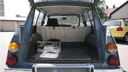 Mer sjarmerende veteranbil - eller russebil - skal du lete etter. Og kanskje kan du ved forsiktig bruk i russetiden legge økonomisk grunnlag for å få denne i enda flottere stand enn den er i dag? (Foto: Finn.no)