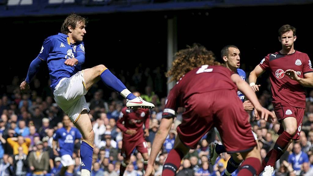 Nikica Jelavic er tilbake for Everton i kveldens bortekamp mot Leeds i ligacupen (Foto: PA Wire/Pa Photos)