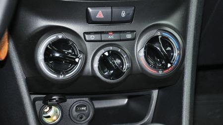 Testbilen var utstyrt med både AUX og USB-inngang. Aircondition er også viktig, men dette er ekstrautstyr.