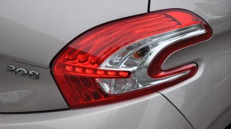 Peugeot 208 detalj baklykt